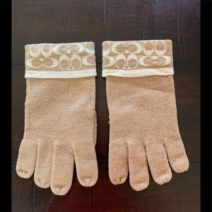 Awesome Coach Shimmer Merino Wool Gloves❣️